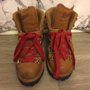 Danner Size 7 Boots / Red Laces